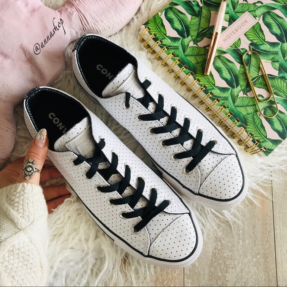 NWT Custom Converse ID Leather low Tops NWT